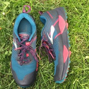 Brooks Cascadia 13 Trail Runners Sz 9